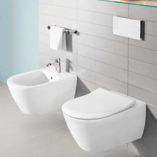 Set vas wc cu bideu suspendat VilleroyBoch Subway 2.0 DirectFlush si capac slim soft close la pret 3449 lei