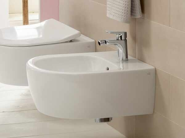 Set vas wc si bideu suspendat VilleroyBoch Avento Direct Flush cu capac slim soft close la pret 3139 lei