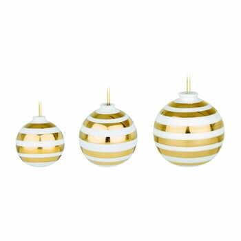 Set 3 ornamente din ceramică pentru pomul de Crăciun cu detalii aurii Kähler Design Omaggio, alb la pret 238 lei
