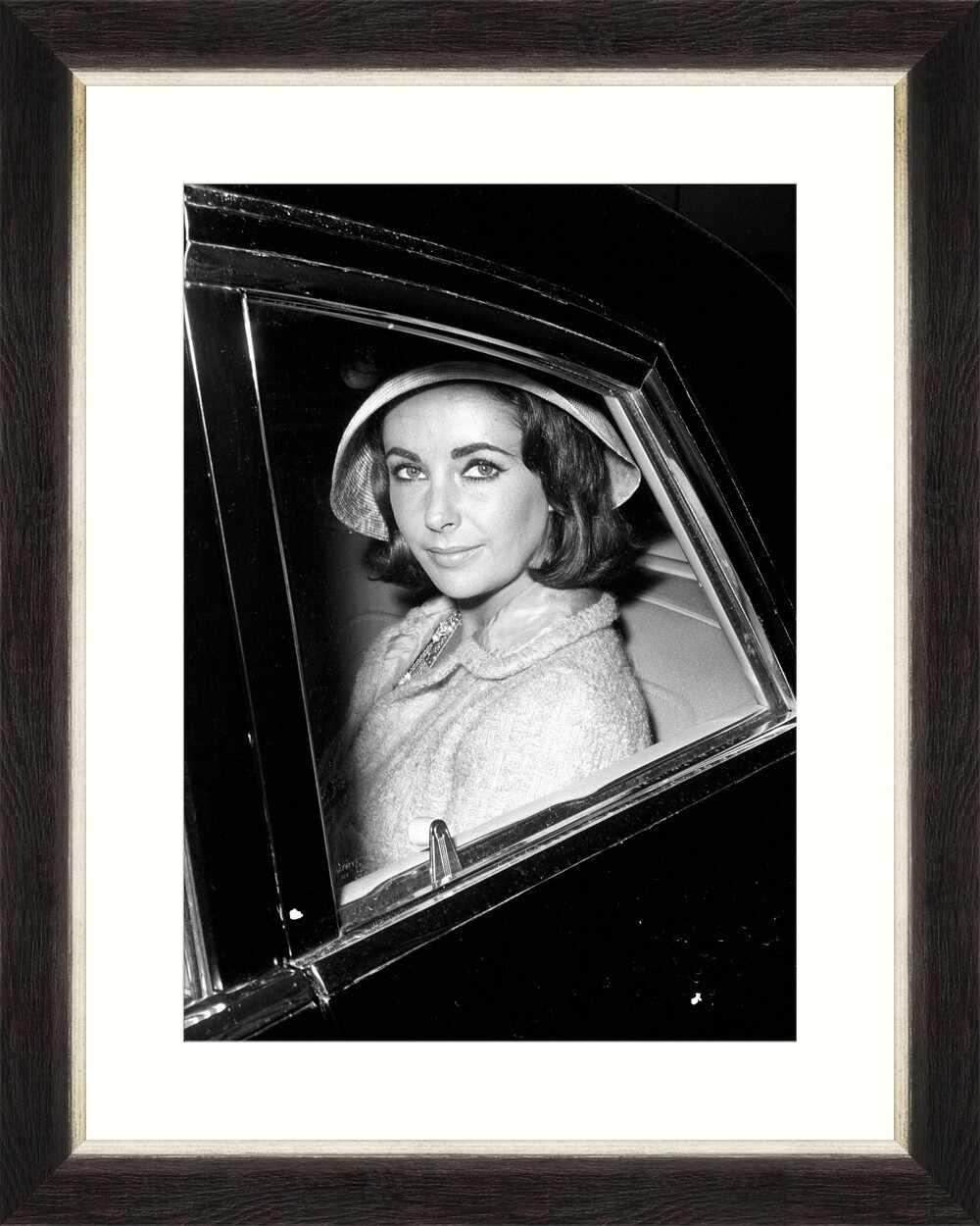 Tablou Framed Art Elizabeth Taylor I la pret 262 lei