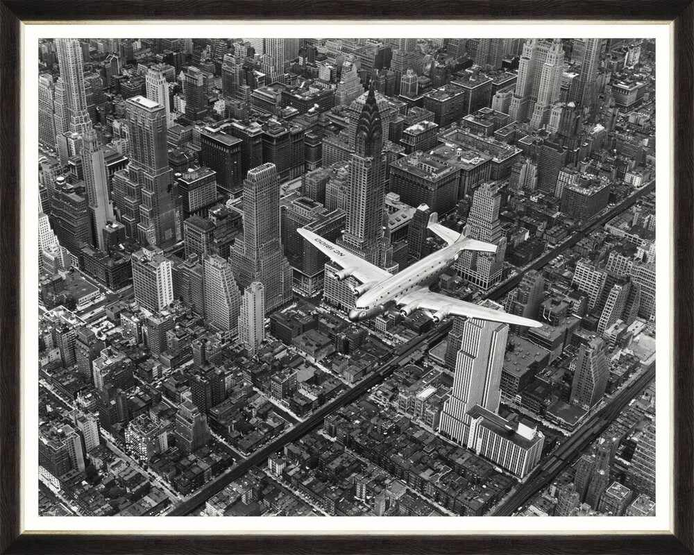 Tablou Framed Art Flying Over New York la pret 369 lei