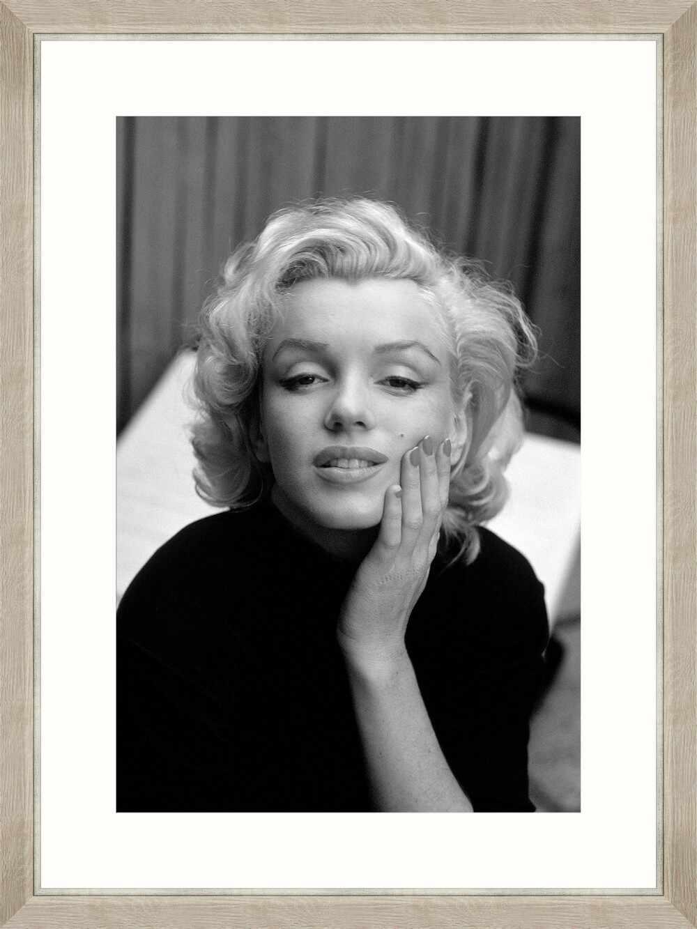 Tablou Framed Art Marilyn Melancholic la pret 436 lei