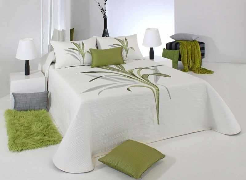 Cuvertura de pat LYNETTE verde, dimensiune 235 cm x 270 cm la pret 580 lei