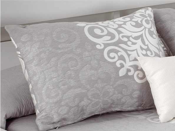 Perna decorativa PRESLEY gri, dimensiune 50 cm x 70 cm la pret 153 lei