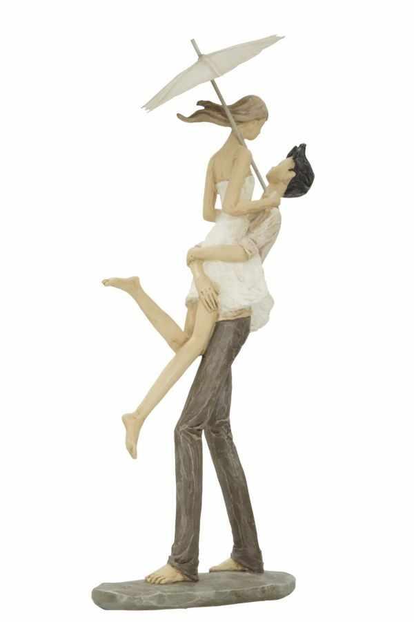 Decoratiune din rasina Couple in Love Natural, l16xA11xH36 cm la pret 190 lei