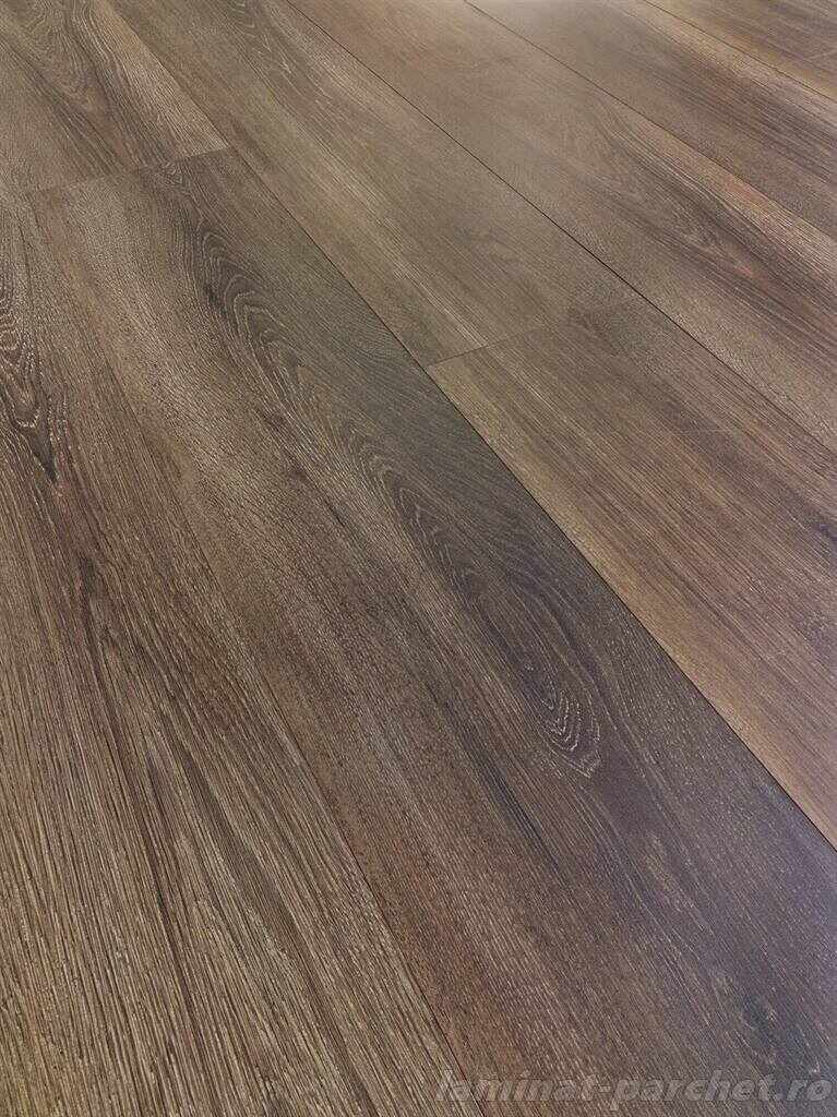 Parchet Swiss Krono Solid Rio Oak D 4748 NM la pret 64 lei
