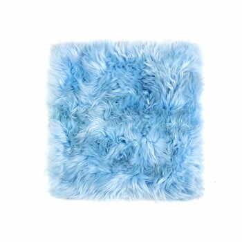 Pernă scaun din blană de oaie Royal Dream Zealand, 40 x 40 cm, albastru deschis la pret 177 lei