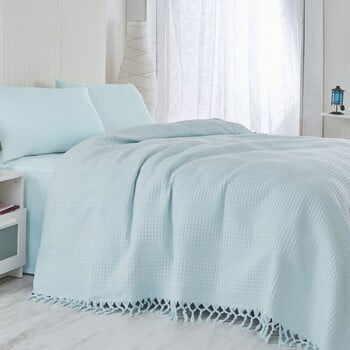Cuvertură pentru pat Light, 220 x 240 cm, albastru deschis la pret 176 lei