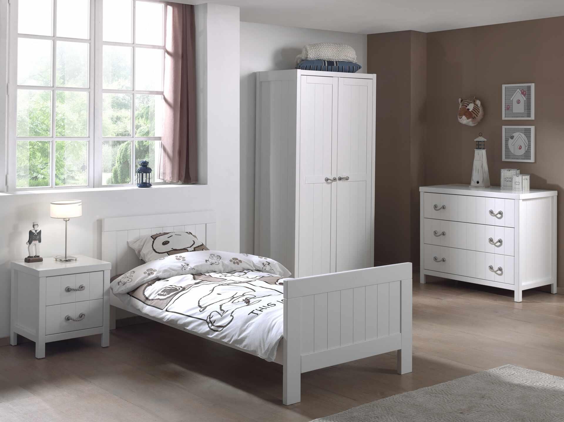 Set Mobila dormitor din lemn de pin si MDF, pentru copii 4 piese Lewis II Alb, 200 x 90 cm la pret 8854 lei