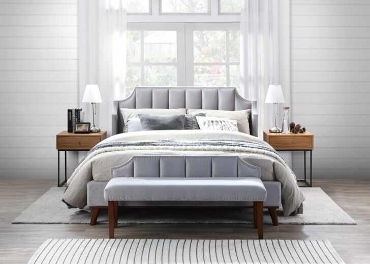 Set Mobila Dormitor tapitat cu stofa, pat 200 x 160 cm, 4 piese Windsor II Velvet Gri deschis la pret 3108 lei