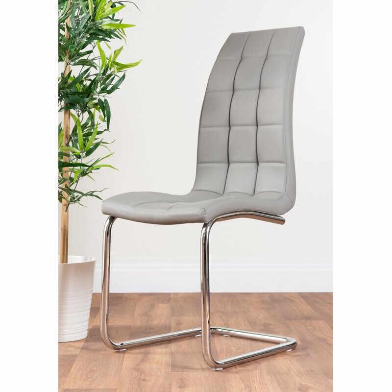 Set de 2 scaune Trapp tapitate, piele sintetica la pret 595 lei