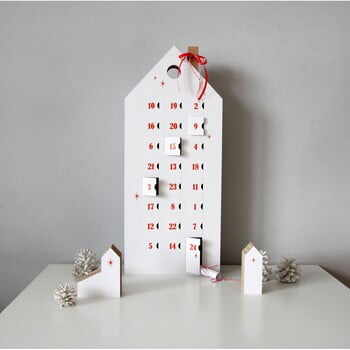 Calendar advent cu detalii negre Unlimited Design for kids la pret 197 lei