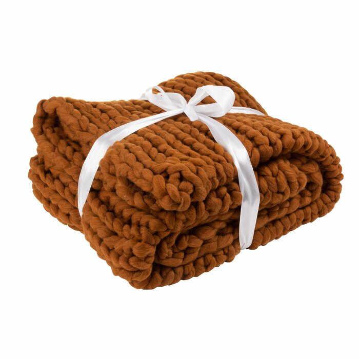 Patura tricotata Gammill, 152 x 127 cm la pret 485 lei