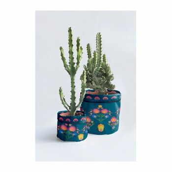 Set 2 huse textile pentru ghivece Madre Selva Crisantemo la pret 210 lei