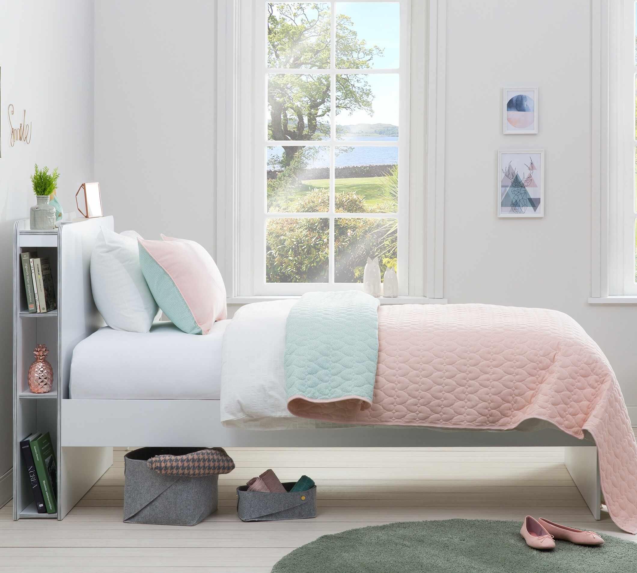 Set cuvertura reversibila pat copii si fata de perna Ducky Pink / Mint, 145 x 230 cm la pret 321 lei