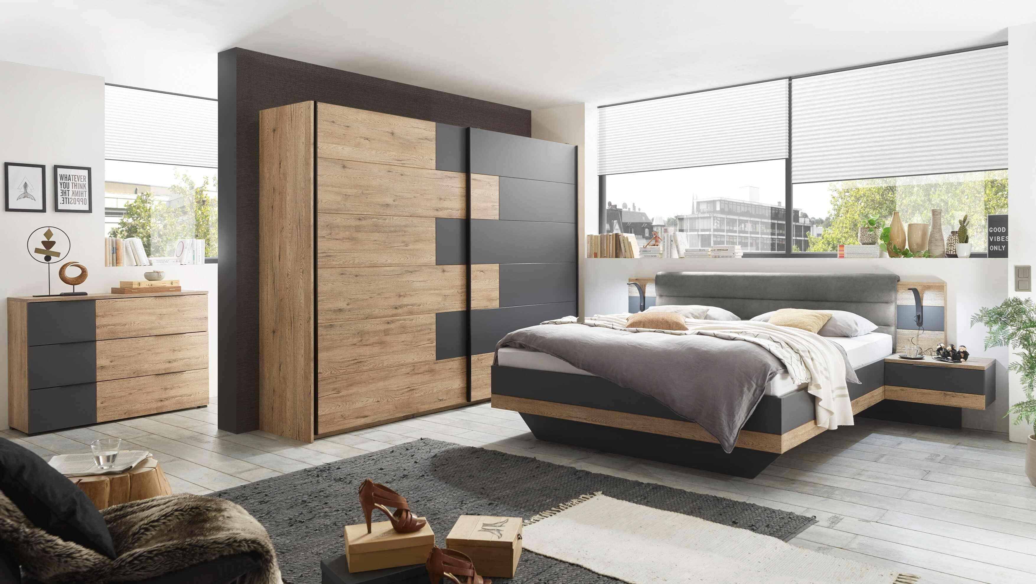 Set Mobila Dormitor din pal si stofa, cu pat 200 x 180 cm, 3 piese Lines Grafit / Stejar la pret 10066 lei