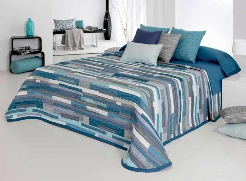 Cuvertura de pat MATE blue, dimensiune 280 cm x 270 cm la pret 490 lei