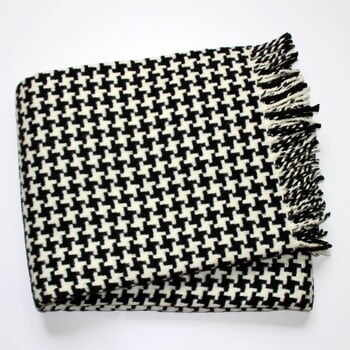 Pătură Euromant Pearls, negru/alb,140 x 180 cm la pret 214 lei